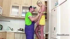 erotischer frau fick in küche